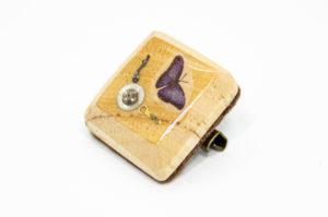 蝶と歯車のウッドブローチ